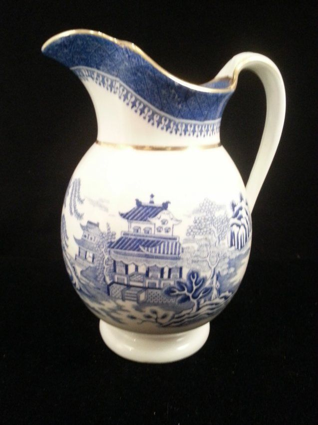 1000 Images About Blue Willow On Pinterest Pottery Patterns And Blue Gold