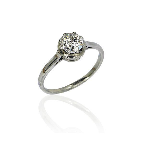1 Karat Altschliffdiamant Spüren Sie die Magie der Diamanten. Solitär Weißgoldring mit 1 ct Altschliffdiamant.http://schmuck-boerse.com/ring/86/detail.htm Wir kaufen verkaufen Ihren Schmuck, antike Juwelen, Edelsteine, Brillanten aus Privatbesitz / Erbschaft! Wir beraten Sie für eine optimale Verwertung. http://schmuck-boerse.com/index-gold-ringe-4.htm