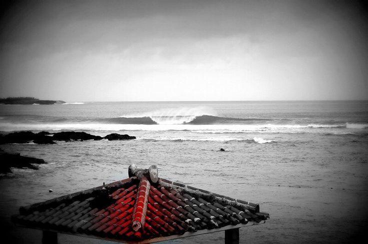 最近波のない日が続いています早く台風来ないかな  過去波 #沖縄#沖縄本島#過去波#赤瓦#シーサー#シーナサーフ#サーフィン#instagood #okinawa #wave#sea #seanasurf#surfing