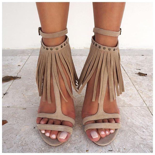 beige heeled sandals spring summer 2016 shoes trends scooby doos r shoes pinterest mode. Black Bedroom Furniture Sets. Home Design Ideas