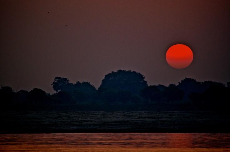 Sun rise / India / Ganges river / Varanasi