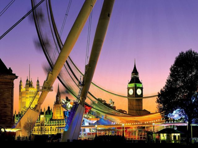 #bestthingstodoinLondon!  London this weekend feature the Capitals most visited ' #top20attractions ' and for those of you looking for a last minute break or a long #weekend away http://www.londonthisweekend.co.uk/