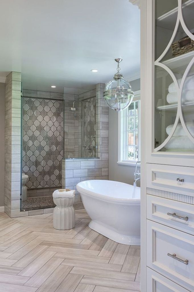 Gorgeous 40 Insanely Cool Master Bathroom Remodel Inspiration https://homstuff.com/2017/06/06/40-insanely-cool-master-bathroom-remodel-inspiration/