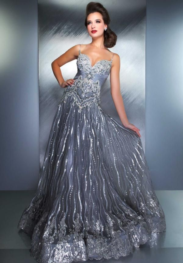 PROM DRESSES: Pictures of beautiful dresses