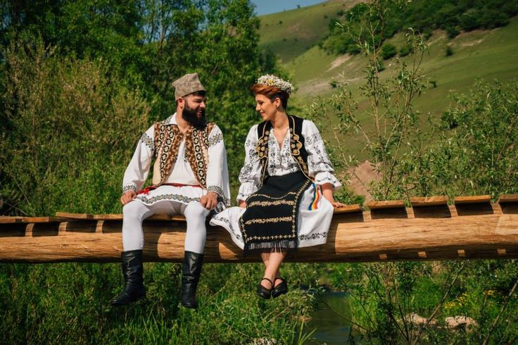 traditional romanian photosession by wedding details