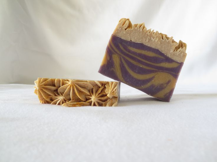 Scented in Peach/Mango and Coconut - Made with coconut oil, palm oil, olive oil pomace, castor oil and sunflower oil!