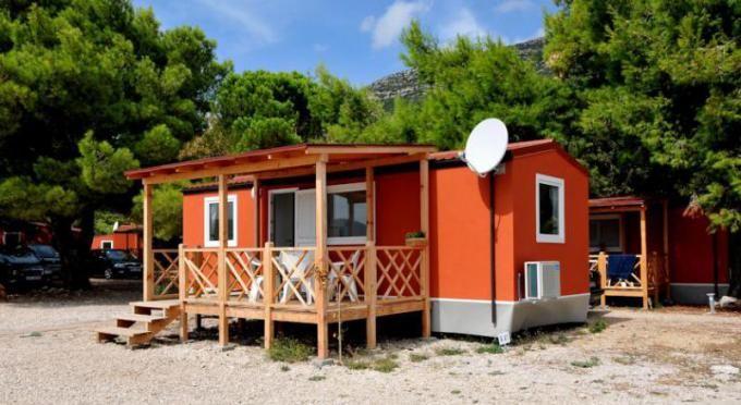 Jižní Dalmácie,  Mobilní domy Perna Kemp Adriatic http://www.hrvaska.net/cz/mobilni-domky/orebic/mobilni-domy-perna-adriatic.htm