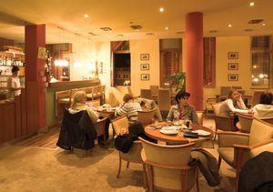 http://www.siofokportal.com/marcipan-kavezo-cukraszda-p-689.html