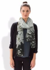 WHITE FALL BOUQUET SCARF: What a beautiful product!