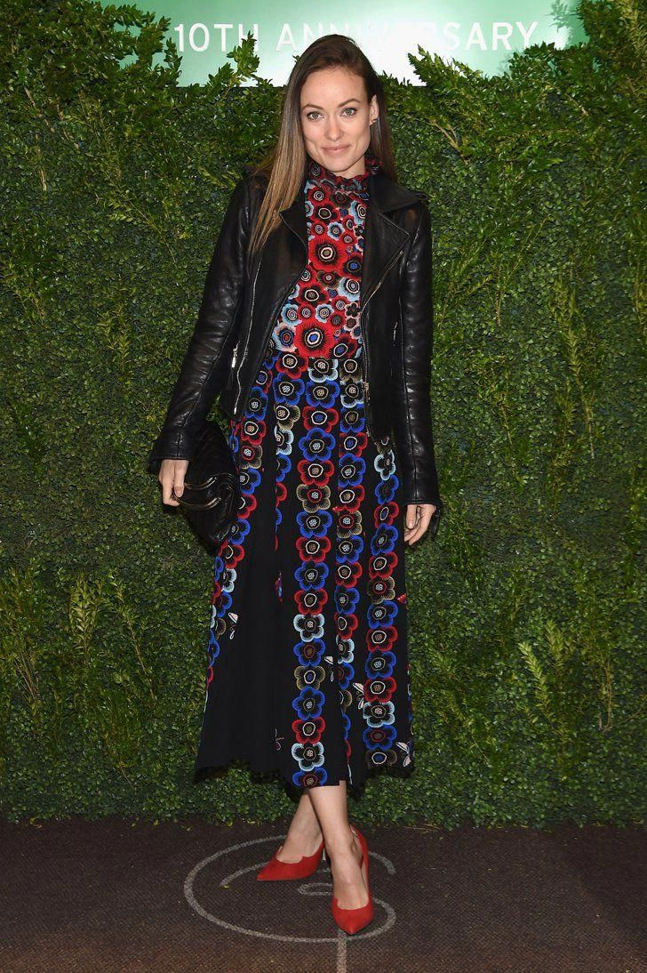 da3329f1608 Pin for Later  No Star Has Ever Been as Effortlessly Stylish as Olivia  Wilde At the Lunchbox Fund 10th Anniversary Benefit Dinner Wearing a  Valentino dress ...