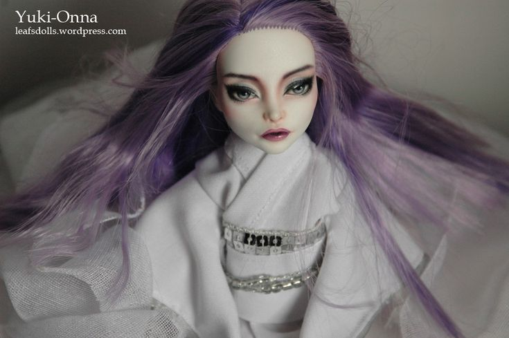 Yuki-Onna (Spectra). Repaint and clothes by Leaf's Dolls.