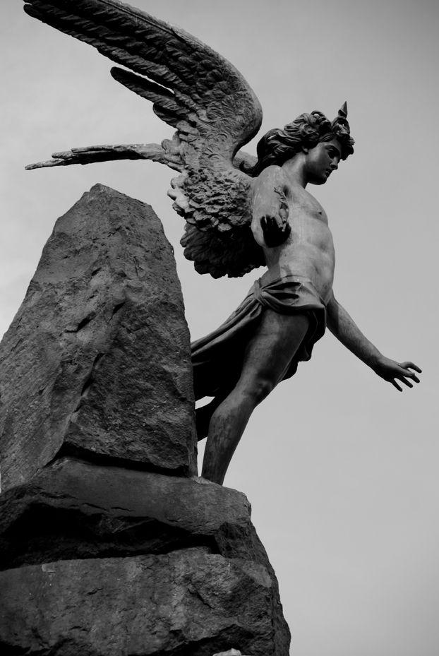 Angelo o Lucifero?