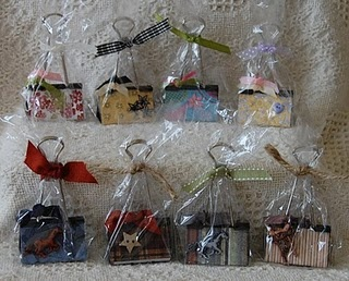 Packaged binder clips