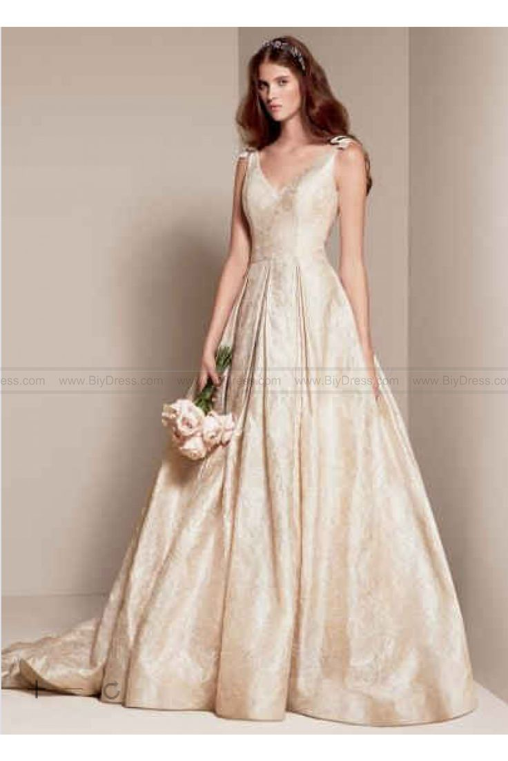 Amazing White by Vera Wang Floral Matelasse Wedding Dress VW White by Vera Wang Wedding