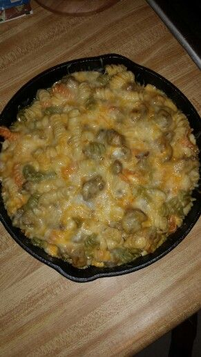 Apple sausage tri color mac & cheese