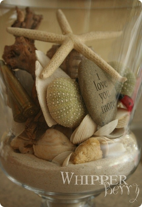 Cute jar craft... wish I could find those shells around here!