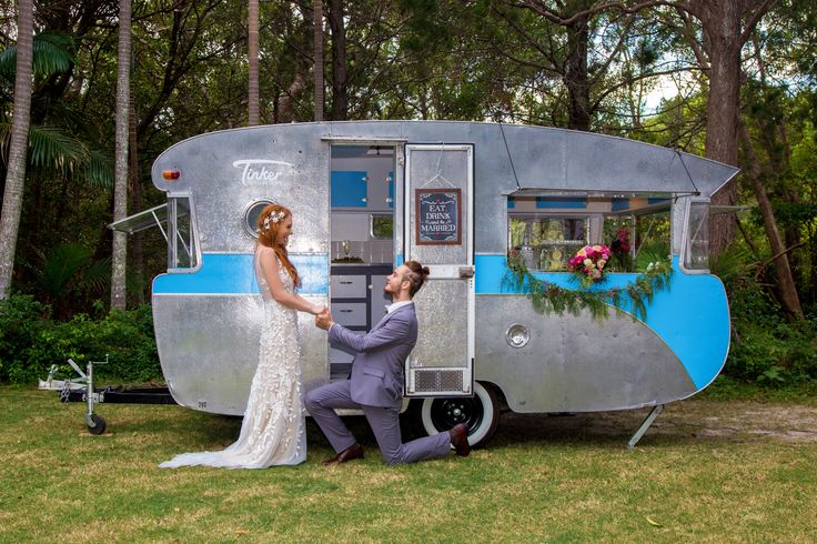 Noosa's Tinker the Travelling Caravan » Noosa Wedding Association
