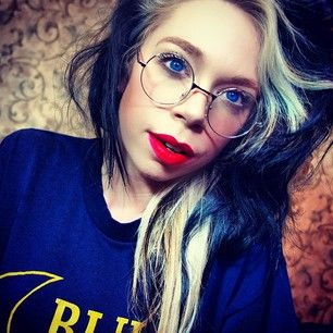 Grav3yardgirl - Bunny Meyer-- I truly love these spectacles. Yes, purely because Bunny's wearing them... but I still love them ;) And now I need them.