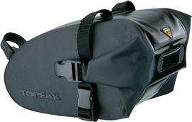 TOPEAK  Wedge DryBag (Strap Mount) L ・ 210デニール & 420デニール 防水ナイロン 超音波溶着 ・ リジッド EVA フォーミング ・ 「ストラップ マウント」着脱システム ・ 取付可能 シートポスト径 : Ø25.4~34.9mm ・ ロール クロージャー ・ 反射プリント ・ トピーク製テールライト クリップ ホルダー付 ・ L230 x W110 x H130mm ・ 1.5リットル ・ 245g