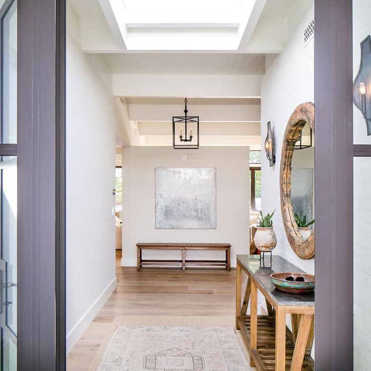 kelly nutt of kelly nutt design talks shop with scout nimble and shares her projects as well as some helpful tips when it comes to decorating your home