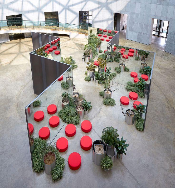 Zzum – Universe Expansion installation