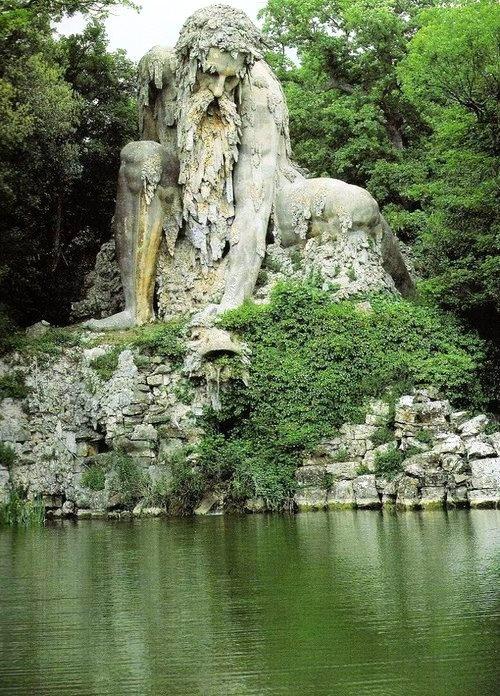 Colosso dell'Appennino, 1580 sculptor: Giambologna (1529-1608) Villa Demidoff Park, Tuscany, Italy