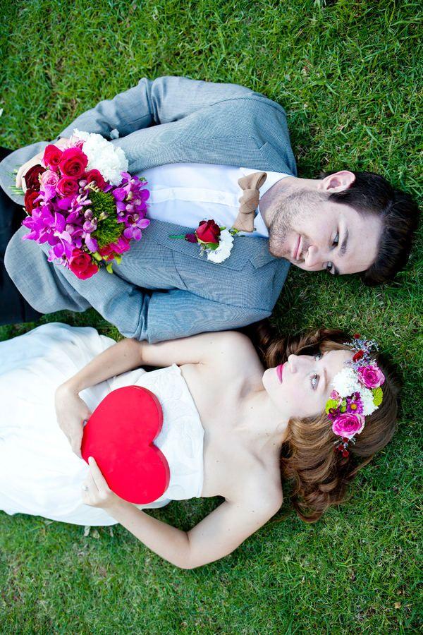 Bruid en bruidegom foto-pose