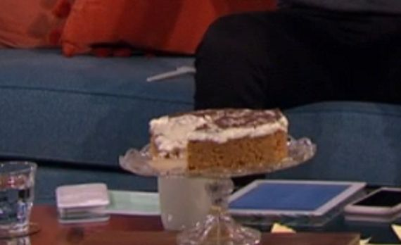 Phil Vickery served up a delicious ginger nut cheesecake with bitter chocolate on This Morning. The ingredients for the base: 85g butter and 250g ginger biscuits, crushed For the filling: 2 x 200g tubs full fat soft cheese, 397g can Carnation Condensed Milk, finely grated zest and juice of 4 limes. To finish: 55g bitter chocolate (70% cocoa solids) melted, 8 thin lime slices and 55g icing sugar (optional).      Related PostsDenise's foolproof fish pie recipe on This MorningPhil Vickery's…