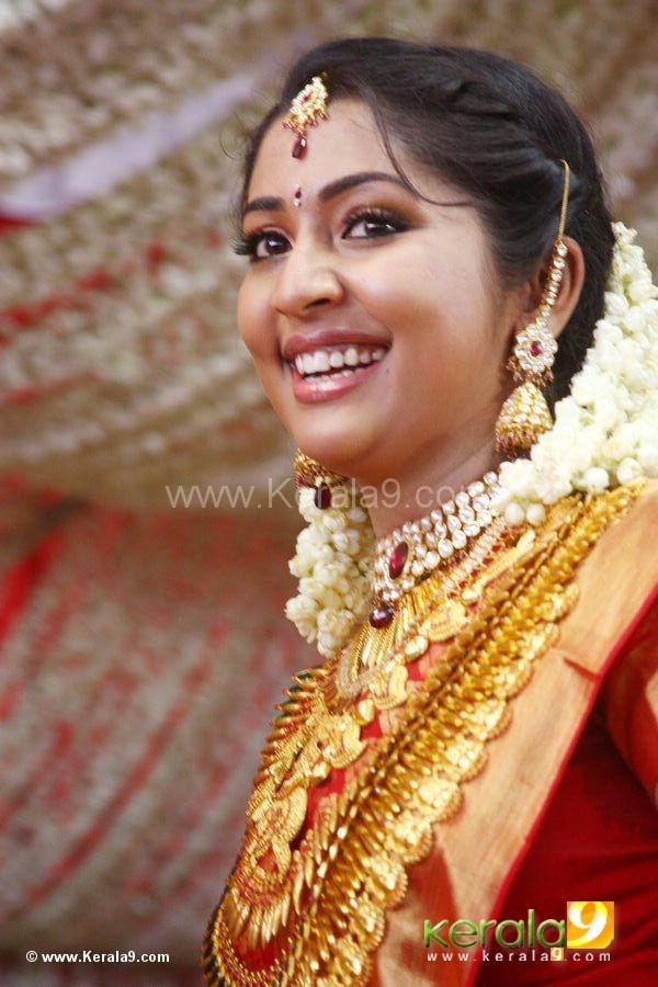 navya nair marriage wedding photos14.jpg