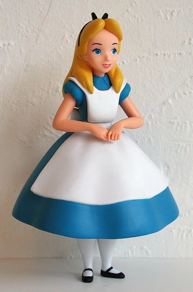 Alice Disney toys   PIDGEONBLOG: Toy OTD: Medicom Vinyl Collectible Dolls: Alice (In ...