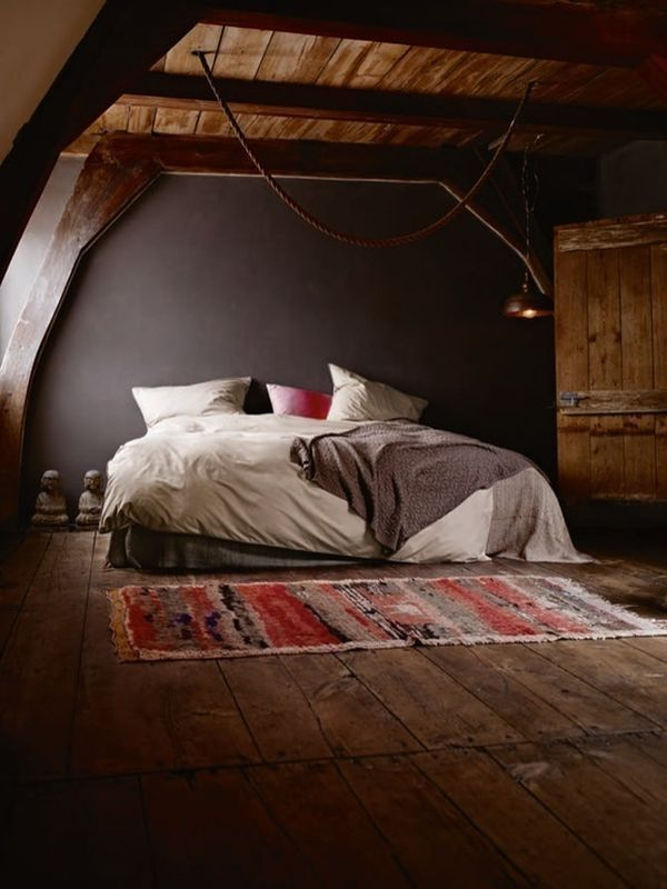 Attic mody bedroom
