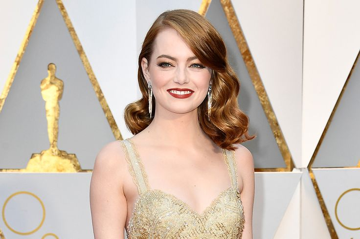 The best fashion moments from Emma Stone   .canadianliving.com