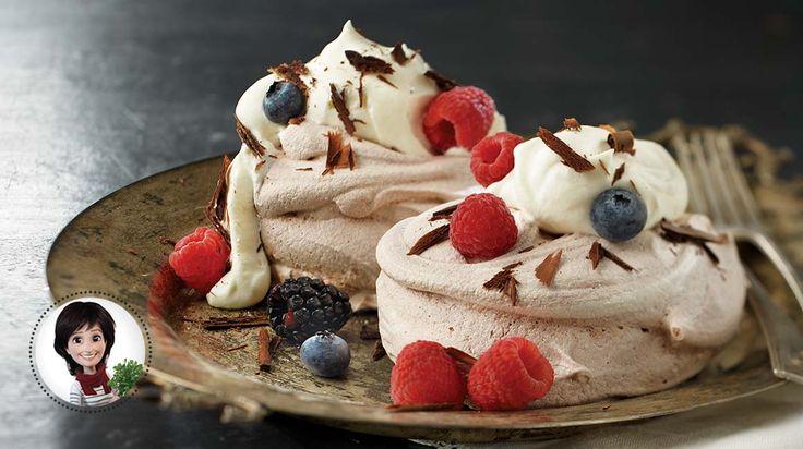 Chocolate-berry spavlovas