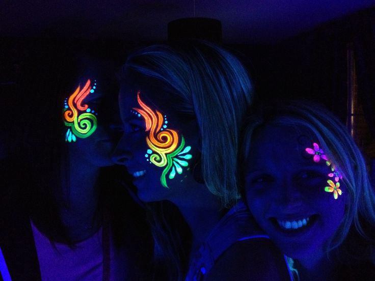 UV facepainting for your event                                                                                                                                                                                 Más
