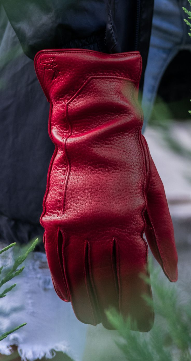 Deerskin leather gloves, wool lined. Made in Hungary www.alpagloves.com