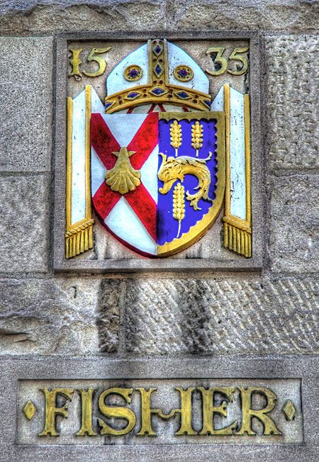 ST JOHN FISHER'S COAT OF ARMS ~ NOTICE THE DATE - THE MARTYRDOM OF FISHER / BEAUTIFUL