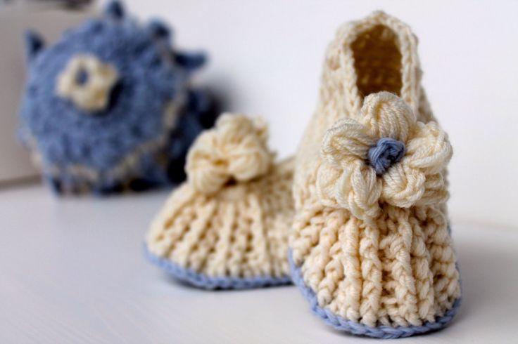 Scarpine bambina 100% pura lana merinos di HoolaHook su Etsy https://www.etsy.com/it/listing/501586689/scarpine-bambina-100-pura-lana-merinos