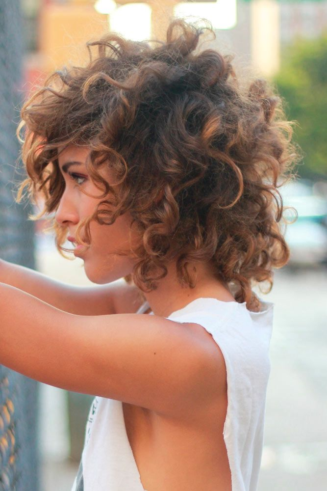 Short Hairstyles For Curly Hair Women and awesome hairstyle