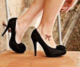 Tatuagem no pé: 80 inspirações para tatuar o lugar mais discreto do corpoSonha em fazer uma tattoo, mas tem medo do que sua mãe ou seu chefe vão falar...