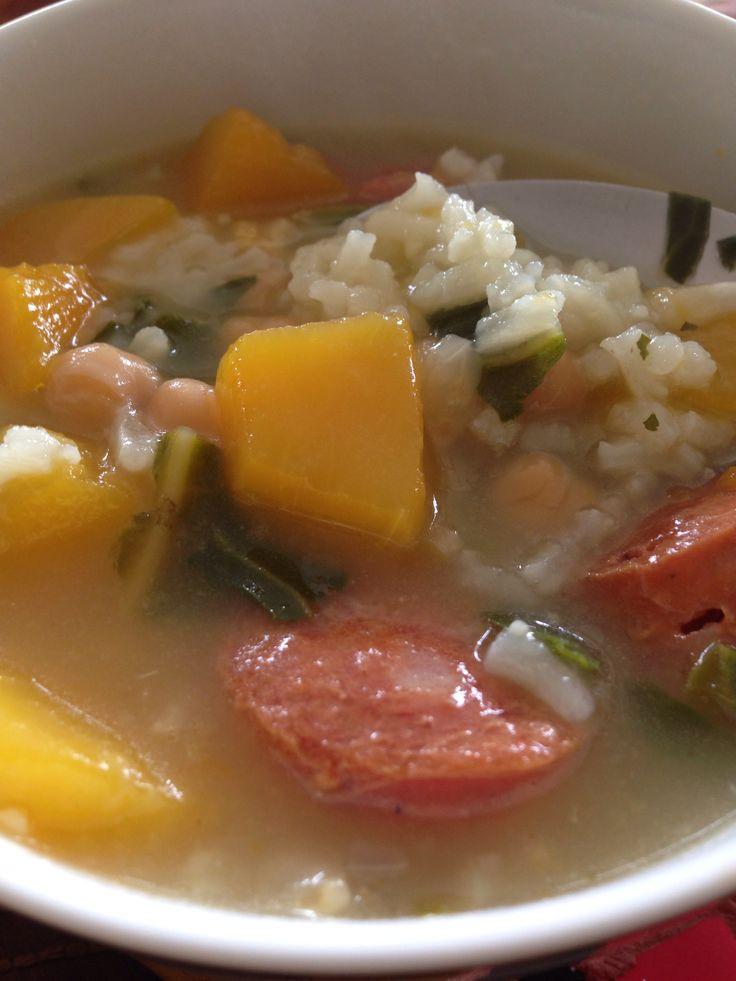 Guiso de garbanzos, arroz, zapallo y acelga