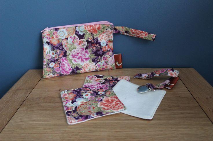 lot pochette attache t tine lingettes motif fleurs asiatiques en tissu japonais b b. Black Bedroom Furniture Sets. Home Design Ideas