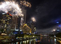 MELBOURNE, AUSTRALIA - DECEMBER 31:  Fireworks over Melbourne skyline and Yarra River during New Years Eve fireworks on December 31, 2013 in...Healthy Paleo breakfast ❤️ http://guide2successinlife.com/ @isabellamanetti ❤️