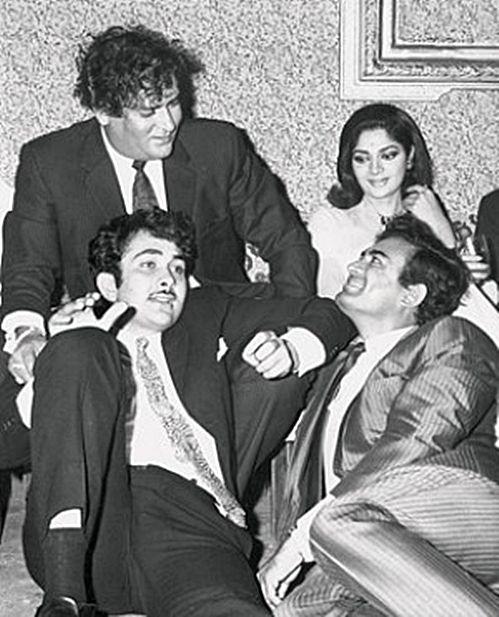 Shammi Kapoor, Simi Garewal, Randhir Kapoor and Sanjeev Kumar.