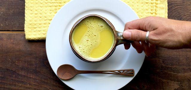 Złote mleko z kurkumą | Ekocentryczka