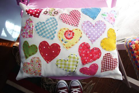 applique-cushion-with-hearts-2