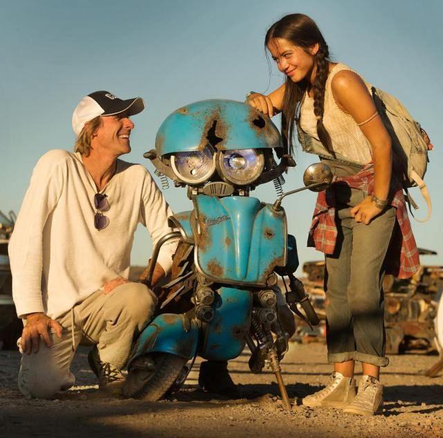 Transformers - The Last Knight: Michel Bay revela novo autobot - Feededigno