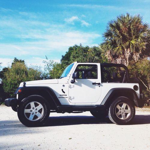 the beach & a jeep