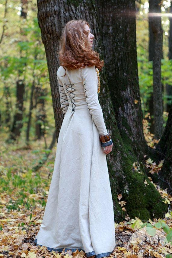 Robe médiévale classique avec laçage Sunshine Janet par armstreet