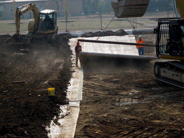 Impermeabilizzazione del lago di #oxygen in corso!