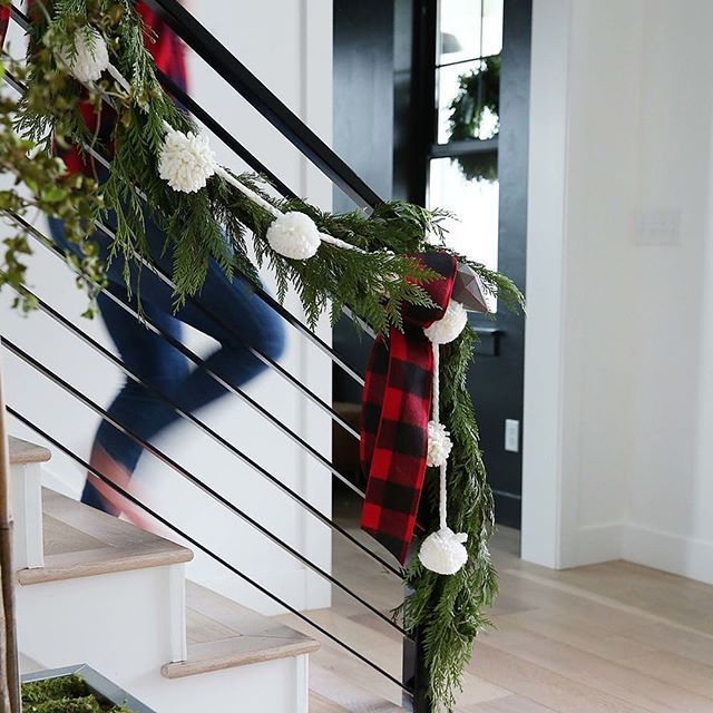 25 Best Ideas About Open Staircase On Pinterest: 25+ Unique Christmas Staircase Ideas On Pinterest